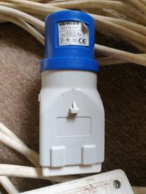 Gewiss GW 64 204 16A plug to 13A socket converter