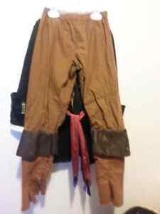 Awesome pirate costume 3-4t Belleville Belleville Area image 3