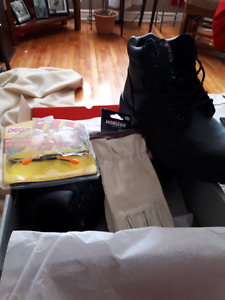 NEVER worn steel toe  work boots safety glasses n leather glove