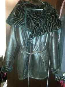 Size lrg/xl lrg.Italian Leather reversable winter coat