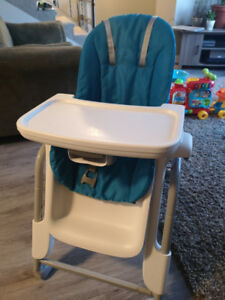 Easy wipe High Chair