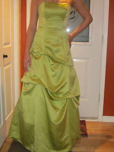 Pistachio Maid of honnor DRESS ***Worn only 4 hours***
