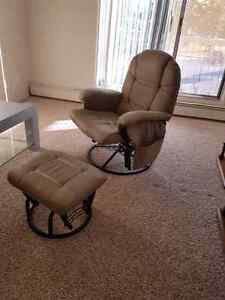 Gliding/rocking recliner with matching ottoman