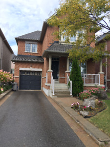 HOUSE FOR RENT IN THORNHILL