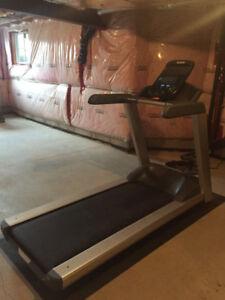 Precor TRM 425 Treadmill for Sale