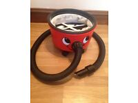 Henry Hoover base with hose used