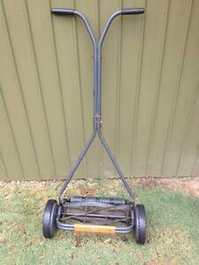 Flymo push lawn mower  great condition Hallett Cove Marion Area Preview