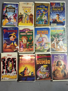 Lot de 13 VHS. Films pour enfants de Disney