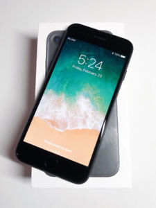 Unlocked iPhone 7 - 128gb -9.5/10 Condition -W/Accessories!