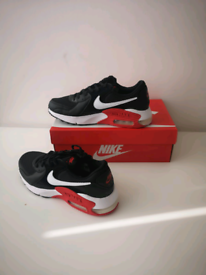 New Mens Nike air max trainers