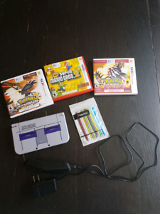 Nintendo 3DS XL , 3 games, charger and sick, pack of 10 stylus