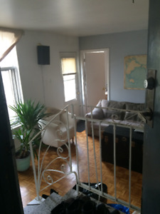 Room for rent - Mile End in two bedroom second floor