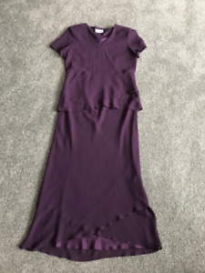 Womans purple 2 pc dress! Size 12 in new condition!
