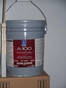 5 gallons de peinture gris pale