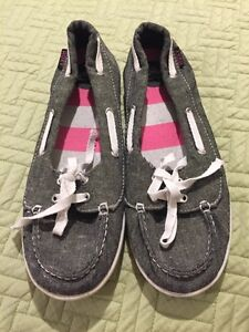 Roxy Boat Shoes- like new!! (9)