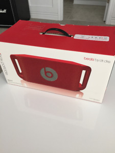 Beats Beatbox portable by Dr. Dre red Bluetooth+Aux