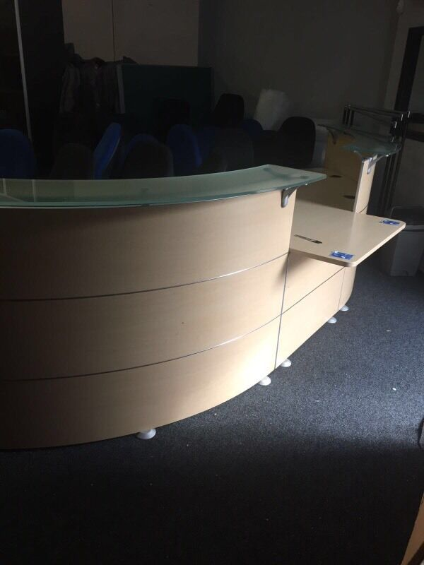 Large Reception Deskin Doagh, County AntrimGumtree - Large Reception Desk, to Glass top high Counters and 1 low counter for wheelchair access. Other Office Furniture available, Desks, Chairs, Filing Cabinets, Pedestals etc