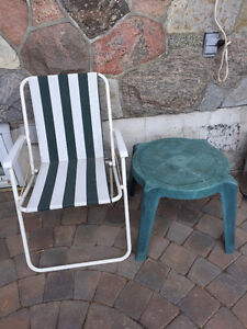 Green patio chair & small table