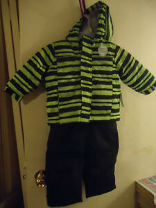 BRAND NEW SIZE 12-18 MONTHS SNOWSUIT