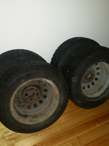 Goodyear Nordic Ice  185/65R14 Winter Tires with Rims