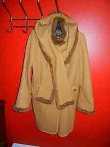 A vendre Manteau Epsilon 12-14 ans
