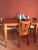 Dinning room table 8 seats