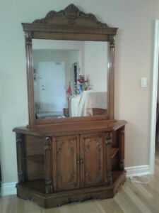 Entrance Table with Mirror.