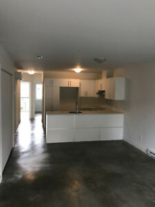 4 1/2 Close to downtown!