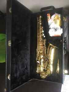 Selling an Alto Saxophone and case