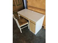 White office desk and chair. Few marks but overall good condition