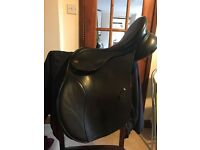 High wither Kent and Masters black changeable gullet saddle in immaculate condition