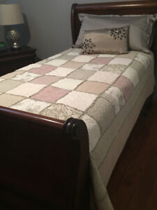 Twin Sleigh Bed Set