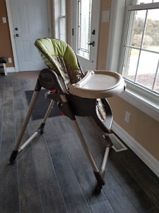 Graco high chair + multiple other items