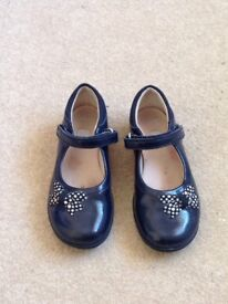 Girls Clarks shoes size 10.5G
