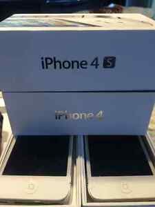 2 APPLE Iphones 4 (8 GB) and a 4 s (16 GB) For sale.