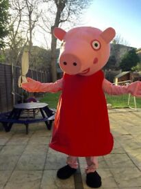 **FOR HIRE PEPPA PIG, MICKEY MOUSE & MINNIE MOUSE MASCOT COSTUME***