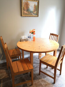 dinner table with four chairs $80