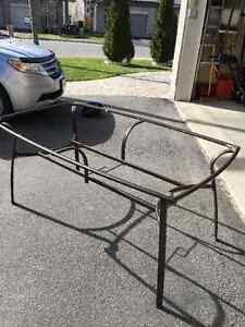 Free- metal patio table frame - needs new top