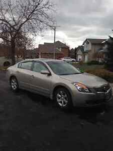 2009 Nissan Altima Sedan-LEATHER! HEATED SEATS! SUNROOF!