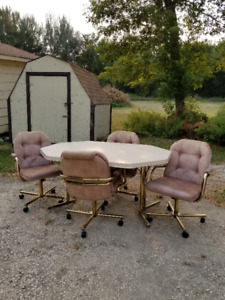 For Sale Kitchen Table & 4 Chairs