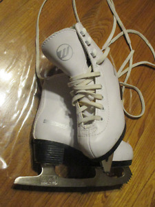 Patins fille WinnWell Taille : 9Y (US) ou 26 (EUR )