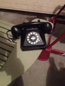 CROSLEY BLACK PUSH BUTTONS PHONE/TELEPHONE