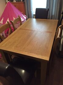 Oakland dining table with 6 chairs