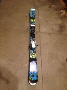 Youth K2 Juvy 139 twin tip skis