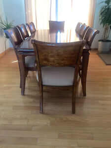 Dining room table complete with 8 chairs