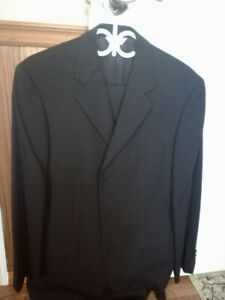 Beautiful 3-button men's suits