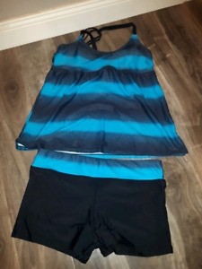 Brand new 2 piece bathing suit