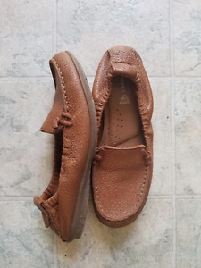 Tan Hush Puppie loafers