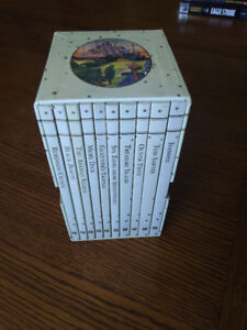 Classic Children's Book Box Set. Paperback collection In mint