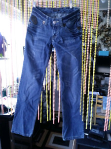 NEW DSQUARED2 SIZE26 JEANS